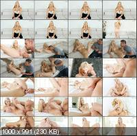 MyVeryFirstTime - Brooke Logan - Brooke's First Anal [FullHD 1080p]